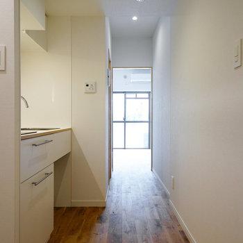 廊下にキッチンです♪※写真は前回募集時のものです
