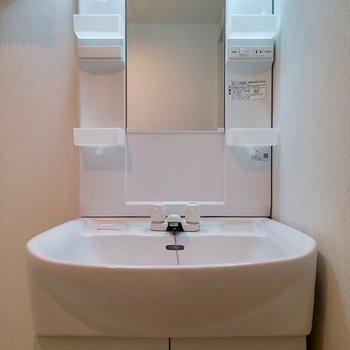洗面台は独立してます※写真は前回募集時のものです