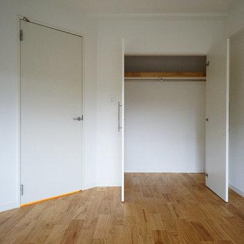 寝室の収納も大容量!