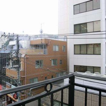 バルコニーからの眺め。※写真は別部屋から