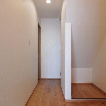 こちらは玄関。
