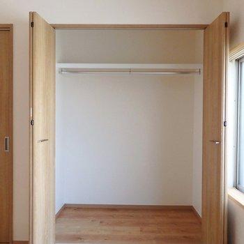 各部屋に収納がついています。