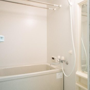 浴室乾燥&追焚き機能が嬉しい♪※写真は107号室