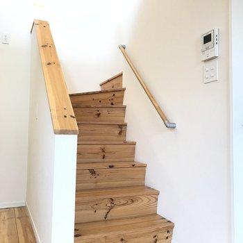 かわいい階段を登ります
