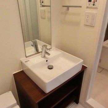 かわいらしい洗面台※写真は前回募集時のものです