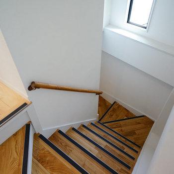 無垢の階段を上がって♪