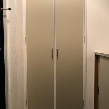 玄関前の収納