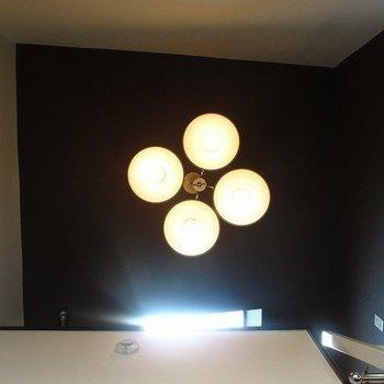 電気がもレトロ。かわいっ※写真は別部屋