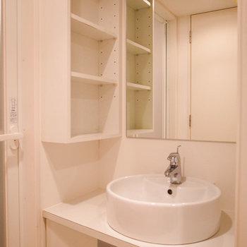 ホテルのように綺麗な洗面所(写真は別部屋です)
