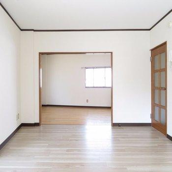 ここは部屋区切らず繋げたほうが良さそう