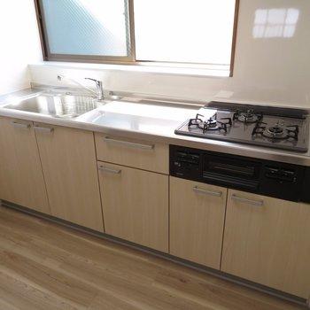 キッチンが広々、使いやすさ抜群です!