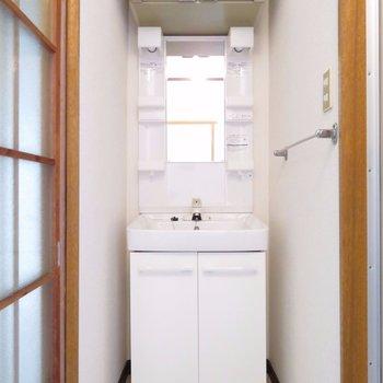 独立洗面台設置が有り難い