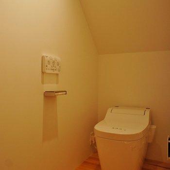 トイレも落ち着く空間。