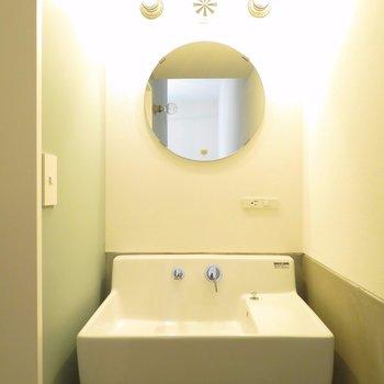洗面台も可愛い。※写真は前回募集時のものです