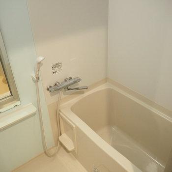 お風呂は浴室乾燥機つき!