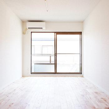 窓が大きく明るい空間◎