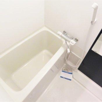 お風呂も綺麗です(※写真は12階の同間取り別部屋のものです)