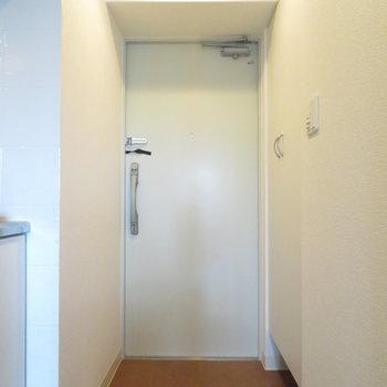 玄関も大きいです(※写真は12階の同間取り別部屋のものです)
