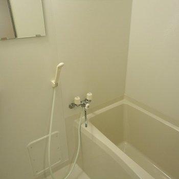 お風呂はこんなかんじ※写真は303号室