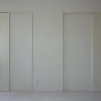 スライド式の扉がお部屋を広く見せるコツ。※写真は前回撮影時のもの