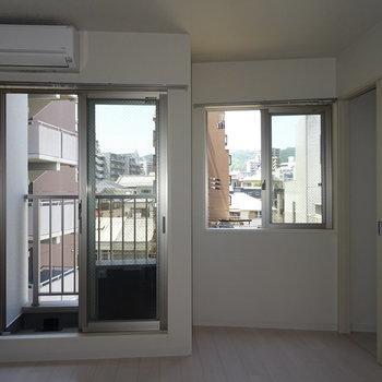2面窓で採光は良し。※写真は前回撮影時のもの