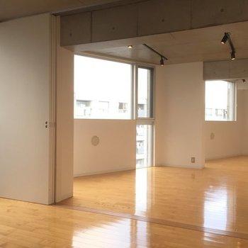 角度が鋭い!※写真は6階の同間取り別部屋です。