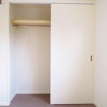 寝室】収納はこれくらいです。