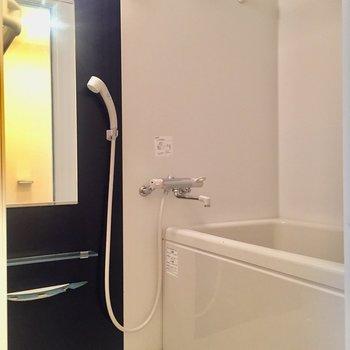 雨の日の味方、浴室乾燥機付きです。