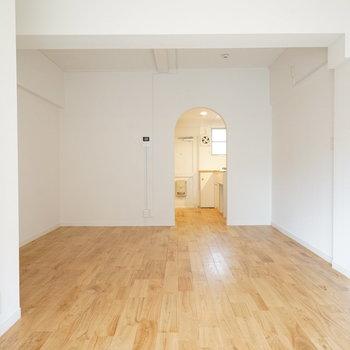 お部屋の入り口にはアーチを♪※写真は201号室