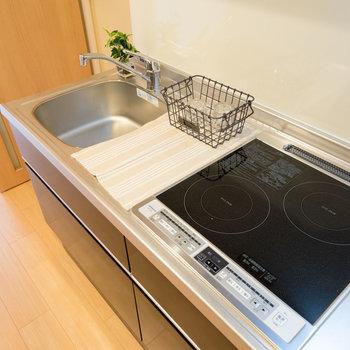 キッチンはIH2口で使い勝手◎