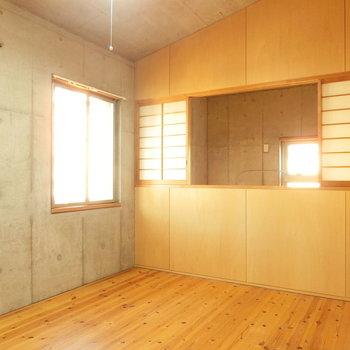 【洋室8.7帖】こんな感じでした。こちらも無垢床♪※写真は前回募集時のものです