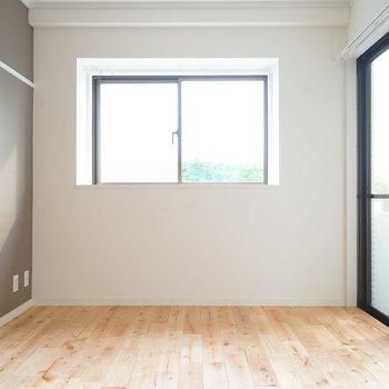 寝室も2面採光で明るい空間♪※写真は前回募集時のものです