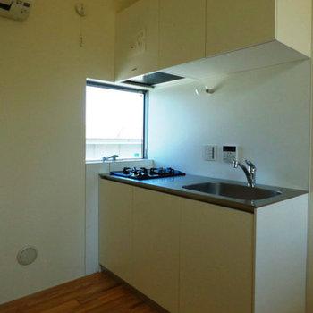 こちらがキッチン。使いやすそう!※写真は前回募集時のものです