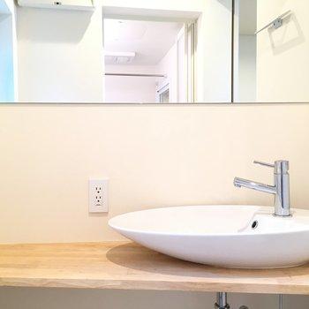 しずく型の洗面台が可愛い〜
