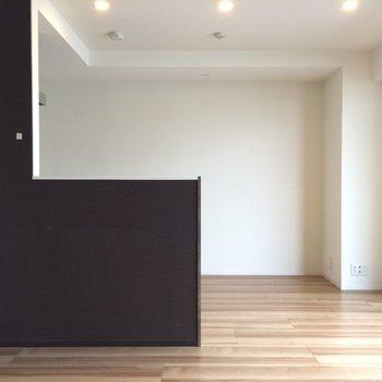 床はフローリングになっています※写真は4階の似た間取りの別部屋のものです