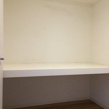 こっちは廊下にある収納です※写真は4階の似た間取りの別部屋のものです