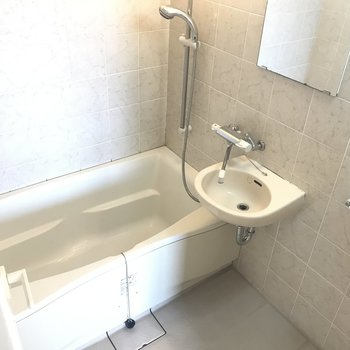 浴室広いのです◎