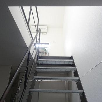 2階にあがります