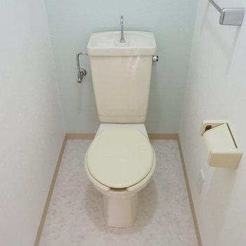 トイレはウォシュレットついてません