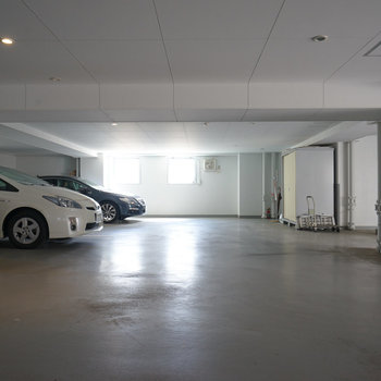 地下に駐車場!