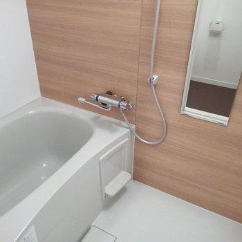 お風呂は新しいものに※写真は6B号室