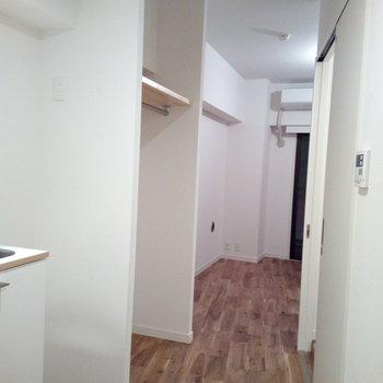 廊下はこんな感じに※写真は6B号室