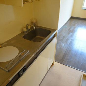 キッチンはこちらからリニューアルを※写真は工事前です