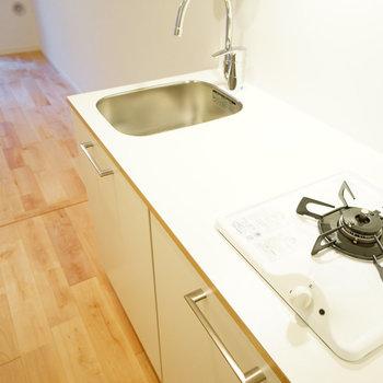 キッチンは1口ガスコンロですがゆったり!