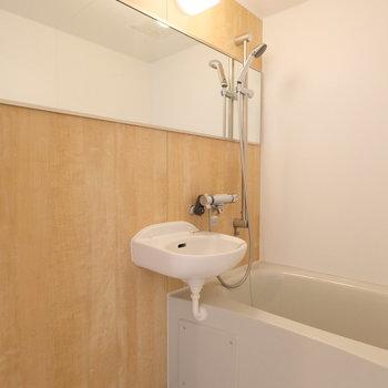 浴室もリノベーション時に新しいものに交換してますよ!