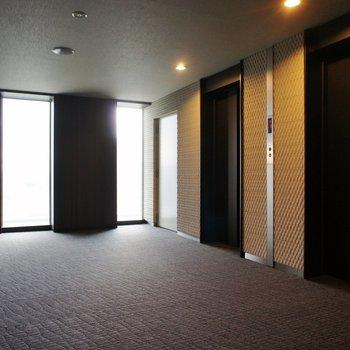 26階はエレベーターを降りてからもオートロック