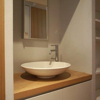 洗面台もデザインが素敵