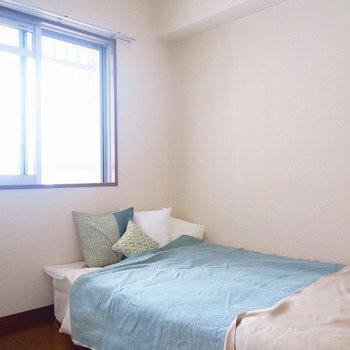 寝室も窓あり!※写真は前回掲載時のものです。
