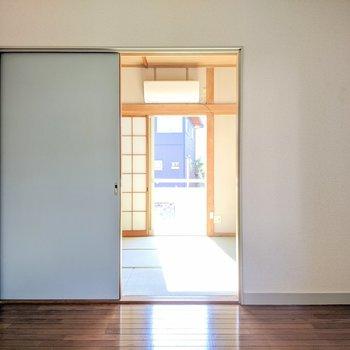 【洋室】和室からの日差しが洋室まで照らします