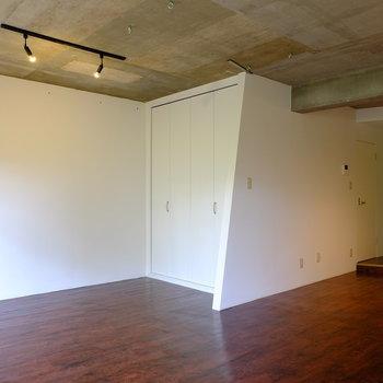 ここはベッドルーム*写真は別部屋です